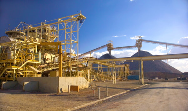 Mining plant and pile